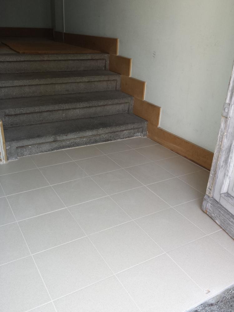 Réparation d'un hall d'entrée - après travaux